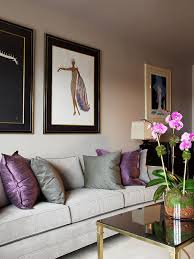 feng shui living room design. example of a trendy living room design in new york with gray walls feng shui