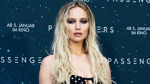 Jennifer Lawrence New Hair Style jennifer lawrence has bangs see her new hairstyle today 8467 by wearticles.com