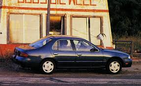 1993 Nissan Altima GXE | Archived Long-term Road Test | Reviews ...
