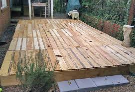 diy-floating-pallet-deck-2. '