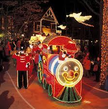 Crystal Lake Light Parade The Gifts Of Christmas Holiday Light Parade At Silver Dollar