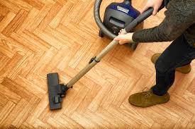 spring cleaning hardwood floor