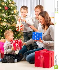 Семья новый год подарки в 1951 году у Трифонова и Нелиной родилась дочь Ольга Дипломная работа Трифонова повесть Студенты написанная им в период с 1949 го по 1950 й годы