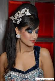 best indian bridal hairstyles for long hair 7