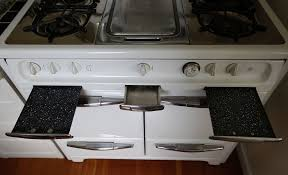 A Guide To Satisfying The Burning Love For Midcentury Stoves SFGate - Kitchens by wedgewood