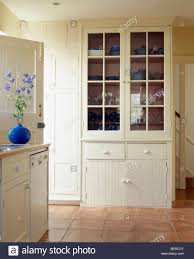Kitchens With Terracotta Floors Fitted Cream Dresser In Cream Country Kitchen With Terracotta