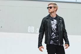 meanwhile in awesometown austrian mens fashion blogger sel leather biker jacket all black fl print