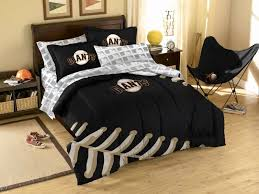 new york yankees bedroom set beautiful i wonder if my would let me this bedding