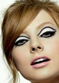 60s makeup legendary model twiggy is known for making this look por in the 60 s a
