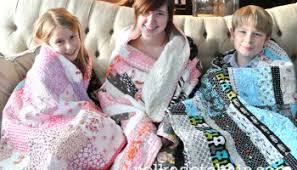 Handmade Christmas Quilt Along... - The Polka Dot Chair & 3 Kids 3 Quilts for Christmas Adamdwight.com