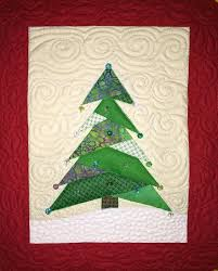 15 FREE Quilted Gift Patterns - On Craftsy! & Mini Christmas Tree Quilt Adamdwight.com