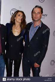 Shane Deary Tongues Are Wagging Keri Russell And Co Star Of The Stock Photo
