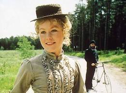 A BUNCH OF VIOLETS… 2) Ms. Violet Smith (SOLI).   Jeremy brett sherlock  holmes, Sherlock holmes, Sherlock