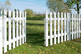Vinyl fence Modern Capecodwhitepicketvinylfence Get Green Be Well Top Advantages Of Vinyl Fencing