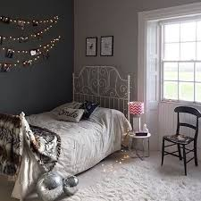 has added some vintage glam to her teens bedroom and created an eclectic  mix of eras. We particularly like the fairy light photo wall and the IKEA  LEIRVIK ...