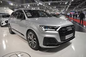 Ties are broken by the car with a lower base price. Is The Audi Q7 A Better Luxury Suv Than The Bmw X5