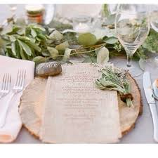 wood charger plates and rustic details