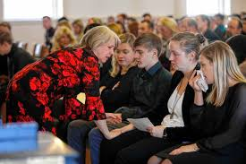 Hundreds gather to remember bright spirit who lost her life to addiction