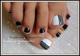 Black White Toe Nail Designs 63 Stunning Toe Nail Art Ideas For You To Channel Your