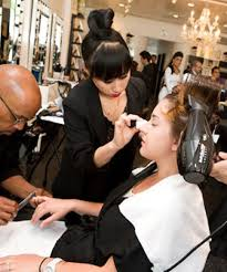 picking out that perfect o fête frock and tending to your tresses it s easy to feel a little tucd out and phone it in when it es to makeup