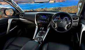 mitsubishi rvr 2018.  rvr photo gallery of the 2018 mitsubishi rvr for mitsubishi rvr d