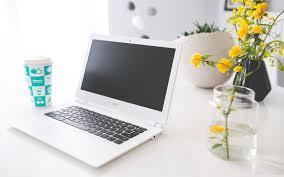 White Acer Laptop Ultra HD Desktop ...