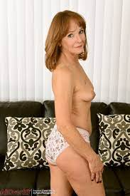 Allover30free Com Hot Older Women 51 Year Old Cyndi Sinclair From Phoenix Arizona Usa In High Quality Mature And Milf Pictures And Movies