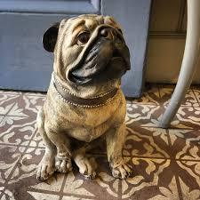 Pug Dog Statue - Kiss Kiss Heart