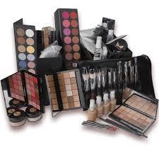makeup artist kit building very basic deluxe makeup kit 21 edit 76977 1335307156 600 600