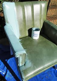 Painting vinyl with chalk paint...and no cracking! Find old chair at