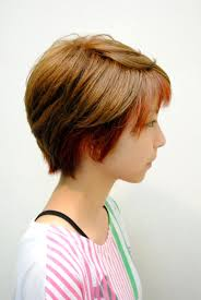 ツートーンカラー 髪型 ショートのヘアスタイルまとめ Matohair