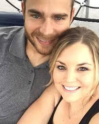 Jalynne Crawford, Brandon Crawford's Wife: 5 Fast Facts | Heavy.com