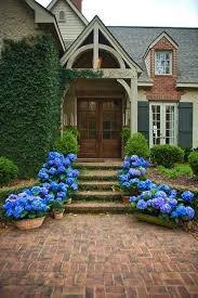 front door landscapingFront Door Landscaping Ideas  Easy Front Door Landscaping Ideas