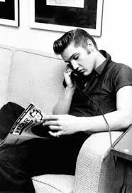<b>MERRY</b> CHRISTMAS BABY - <b>Elvis Presley</b> - LETRAS.COM