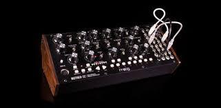 <b>MOOG Mother 32</b> - первый полумодульный <b>синтезатор</b> от MOOG!