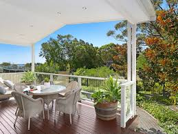 Undercover Deck Designs A Touch Of The Hamptons On Australia S Beautiful South Coast Currarong