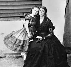pioneer woman clothing 1800. both wore \ pioneer woman clothing 1800 s