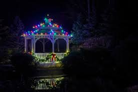 outdoor holiday lighting ideas. Colored Lights Are Back In Style This Holiday Season. Exterior Christmas Light Ideas Outdoor Lighting