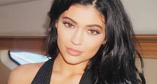 here s how kylie jenner does her makeup every day step by step