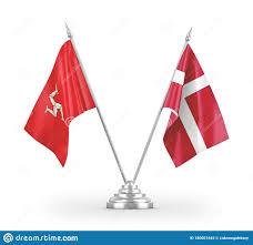 Bandiere Da Tavolo Della Danimarca E Dell'isola Di Mann Isolate Per Il  Rendering 3D Bianco Illustrazione di Stock - Illustrazione di simbolo,  paesi: 180001445