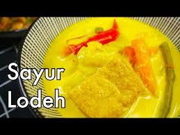 Setelah lodeh tewel dan lodeh jawa timur, sekarang kita akan mempelajari resep sayur lodeh rebung. Sayur Lemak Lodeh For Lontong Easy Malay Indonesian Mixed Vegetables Coconut Curry Stew Youtube