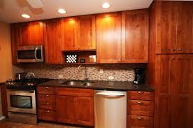 Enchanting Kitchen Backsplash Ideas With Maple Cabinets
