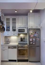 70 brilliant small apartment kitchen decor ideas 57 published december 9 2017 at 984 1397 in 70 brilliant small apartment kitchen decor ideas