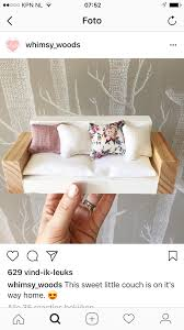 barbie wood furniture. Diy Barbie Furniture, Doll House, Wooden Couch, Miniature Rooms, Dollhouse Ideas, Crafts, House Miniatures, Wood Toys Furniture E