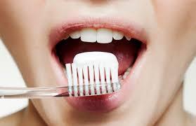 <b>Зубные щетки</b>: какие бывают, как правильно выбирать и почему ...