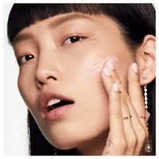 benefit the porefessional pearl illuminating face primer