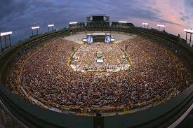 Kenny Chesney Turns Green Bays Lambeau Field Into A Party