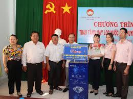 Công ty AQua Việt Nam tặng máy lọc nước tinh khiết cho huyện Tân Châu - Báo  Tây Ninh Online