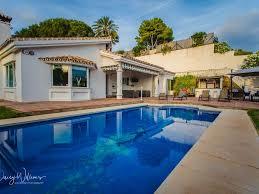 Luxus Villa In Marbella Mit Privatem Pool Und Jacuzzi 8 Personen