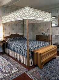 Full Size Canopy Bed, Maple, Cohasset Colonials Reproduction Colonial Bed Circa 1983